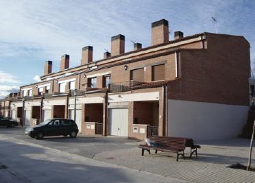 CONSTRUCCIÓN DE CHALETS ADOSADOS EN MUCIENTES (VALLADOLID)